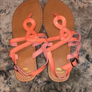 NEW gap sandals size 7